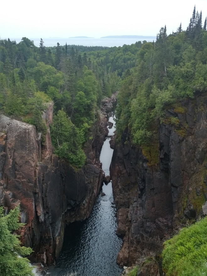 Water chasm to L. Superior